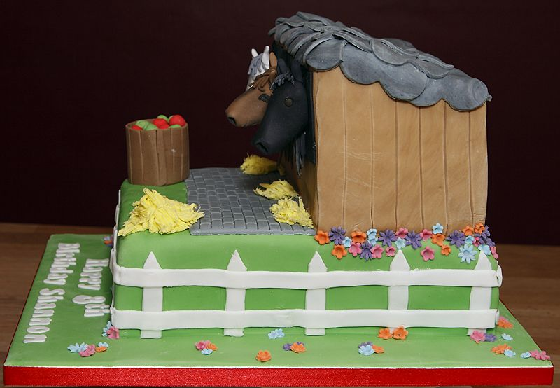 Horse Stable Cake Pictures