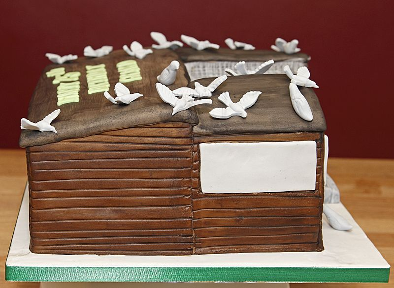 How To Make A Shed Birthday Cake