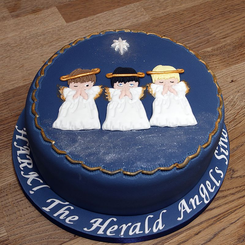 Christmas Cake With 2D Fondant Angels