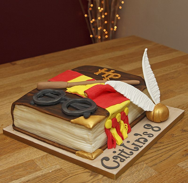 Cake Harry Potter Book : Harry Potter Book Cake with handmade fondant accessories