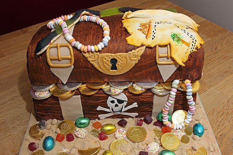 Pirates Treasure Chest Cake with gold chocolate coins and ...